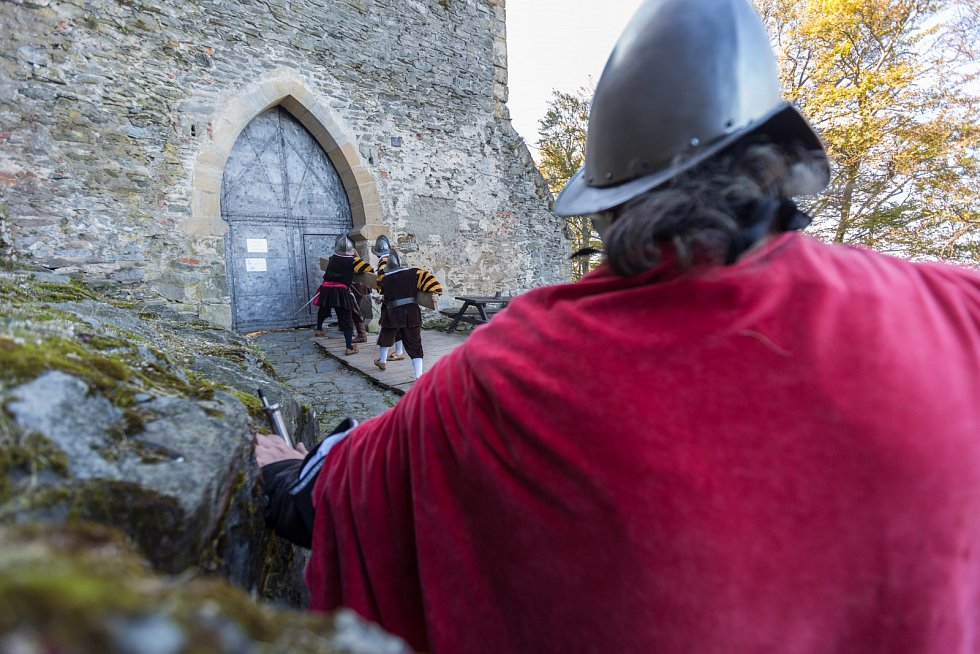Poslední velkou akcí na Bezdězu byla říjnová Bitva o hrad.