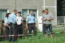 Pyrotechnik zkoumá nebezpečný nález v Havířské ulici.