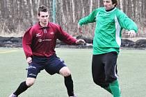 Matný výkon především ve 2. poločase zápasu s Bělou podali hráči Doks. Na snímku je Martin Vaňátko.