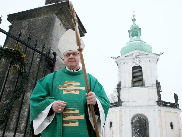 Upříležitosti 91.narozenin hornopolického arciděkana Josefa Stejskala sloužil vneděli slavnostní mši Mons. Jan Baxant, biskup litoměřický (na snímku).