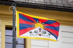 Sedmnáct měst a obcí na Českolipsku, včetně Nového Boru, se v letošním roce zapojilo do kampaně Vlajka pro Tibet.