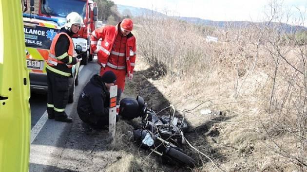 Až čtyřleté vězení hrozí třiadvacetiletému muži z Polska, který na začátku března způsobil vážnou nehodu na Českolipsku. Při ní se těžce zranil pětačtyřicetiletý motocyklista.