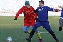 Porážku 0:3 museli vstřebat fotbalisté dubického Spartaku od Horní Police v minulém kole novoborského zimního turnaje.
