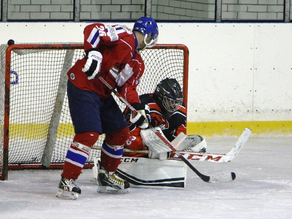 Proti Varnsdorfu se českolipským hokejistům daří. V listopadu je doma přehráli 7:4, nyní vyhráli i na ledě soupeře.