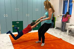 Centrum Lira pomáhá rodinám sdětmi sporuchami autistického spektra. Sídlí vLiberci, ale má klienty vcelém kraji.