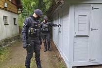 Policisté kontrolovali chaty v okolí Krompachu.