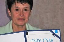 LIBUŠE HOFRICHTROVÁ, zaměstnankyně Sociálních služeb města Nový Bor získala ocenění Pečovatelka roku 2015.