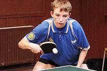 Mladý talentovaný hráč českolipské Lokomotivy Marek Fabini přispěl  svým výkonem k výhrám v obou zápasech českolipských stolních tenistů ve třetí lize.