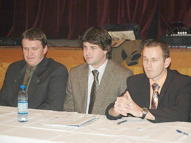 Třicetiletý Radek Lípa (uprostřed) povede v příštích čtyřech letech zákupskou radnici.