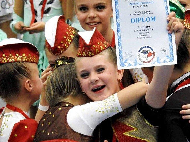 Mažoretky Adelline při ZŠ Partyzánská, ve spolupráci s DDM Libertin, se českého šampionátu zúčastnily se dvěma skupinami kadetek a juniorek.