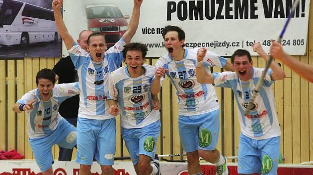 Historický moment českolipského florbalu. V roce 2012 postoupili muži FBC do 1. ligy.