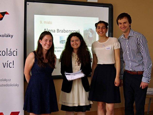 Studentka Alena Brabencová cestuje a pomáhá, kde se dá. Iproto uspěla vsoutěži Nejaktivnější středoškolák 2016.