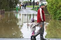 Obec Pertoltice u Mimoně, stejně jako řadu dalších, zasáhla druhá povodeň na řece Ploučnici.