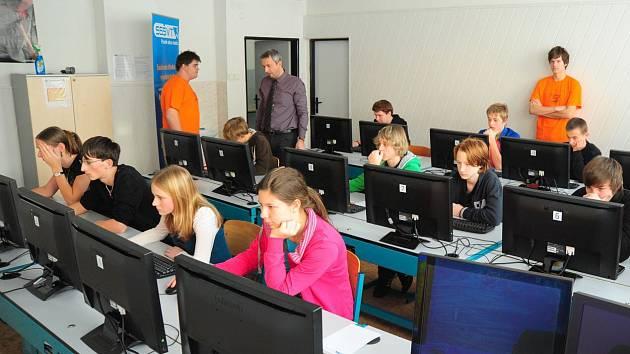 Do soutěže se dosud přihlásilo 2242 žáků z 137 základních škol, včetně čtyř z Českolipska.