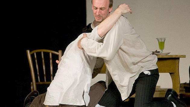 Na prknech Jiráskova divadla se představili Jarek Hylebrant, který je rovněž autorem hry, dále Michal Vaněk a Halyna Ishchenko.