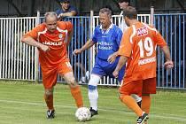 U Ploučnice se uskutečnilo fotbalové utkání mezi starou gardou České Lípy a starou gardou německého týmu Mittweida.
