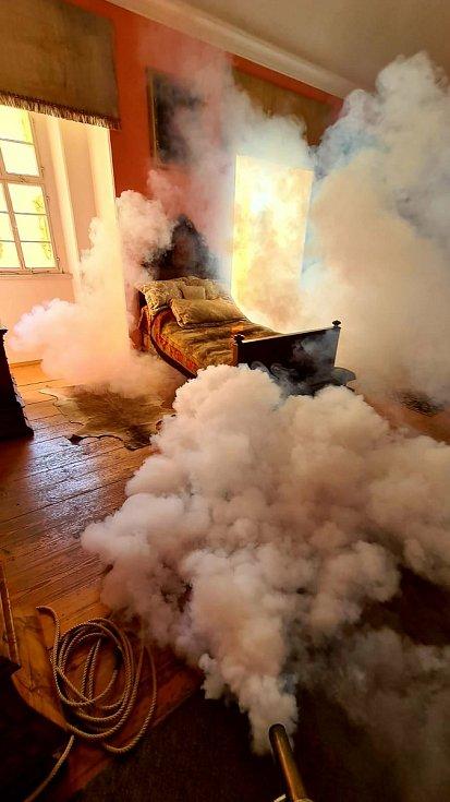 Komnaty na Lemberku zahalil dým.