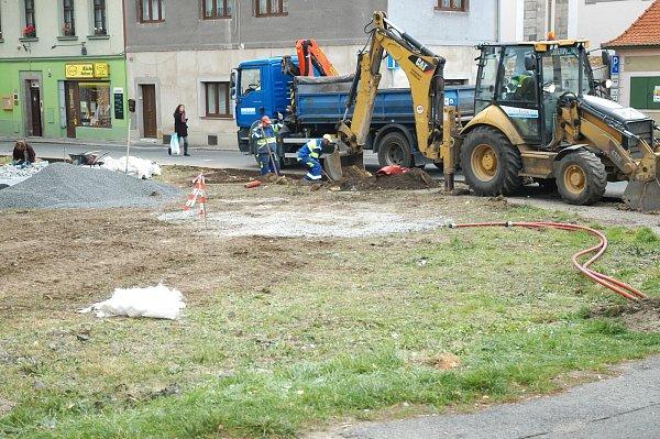 Jeřábkovo náměstí vcentru České Lípy se mění.
