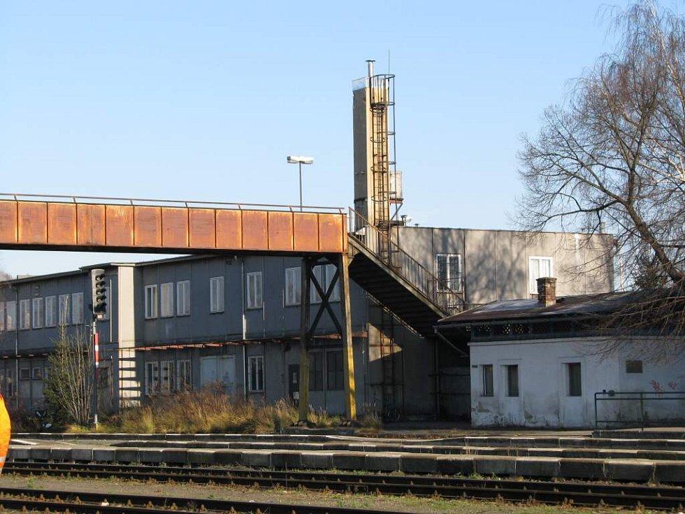 Lávnka na nádraží ČD v České Lípě