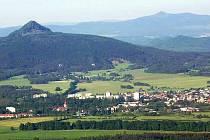 Města pod Ralskem musí řešit majetkový propletenec, kdy některé objekty a stavby na pozemku Ralska vlastní Mimoň.