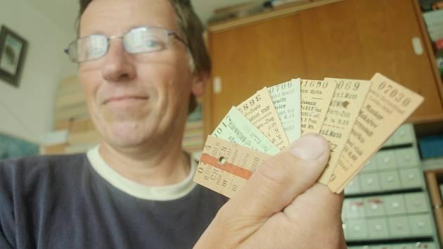 Lubomír Rickl z Nového Boru je vášnivým sběratelem vlakových jízdenek.