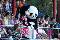 Doksy - Jablonec nad Jizerou 0:2. Na zaplněné tribuně byla skvělá atmosféra, ale ani početný houf fanoušků prohře domácích nezabránil.