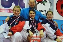 Pavel Znamenáček se svými svěřenkyněmi Annou Šťastnou, Martinou Plešingerovou a Hanou Uhlíkovou.