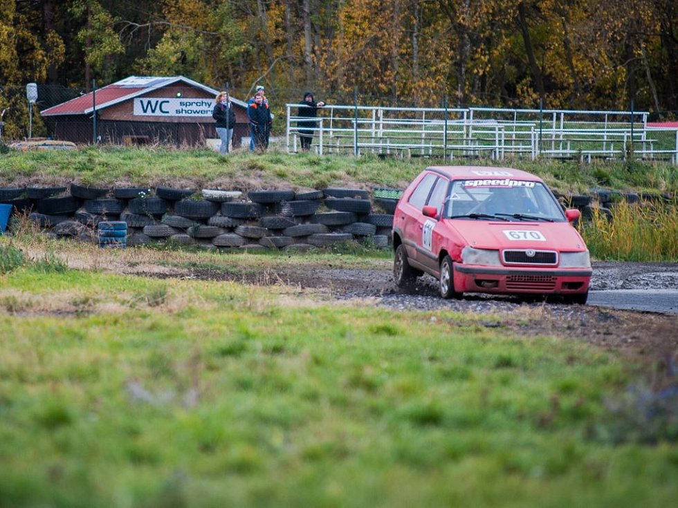 Na autodromu v Sosnové u České Lípy se o víkendu rozdělovaly poslední body do šampionátu s názvem Rallycross Cup.