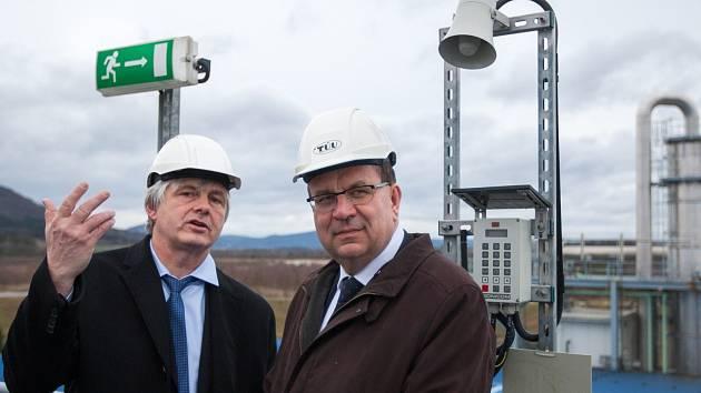 Státní podnik Diamo ve Stráži pod Ralskem navštívil v pátek ministr průmyslu a obchodu Jan Mládek (vpravo)..