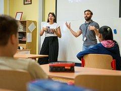 Třetí zářijový týden proběhl na ZŠ Partyzánská v mezinárodním duchu. Zavítali sem studenti z nejrůznějších koutů světa v rámci projektu EDISON.