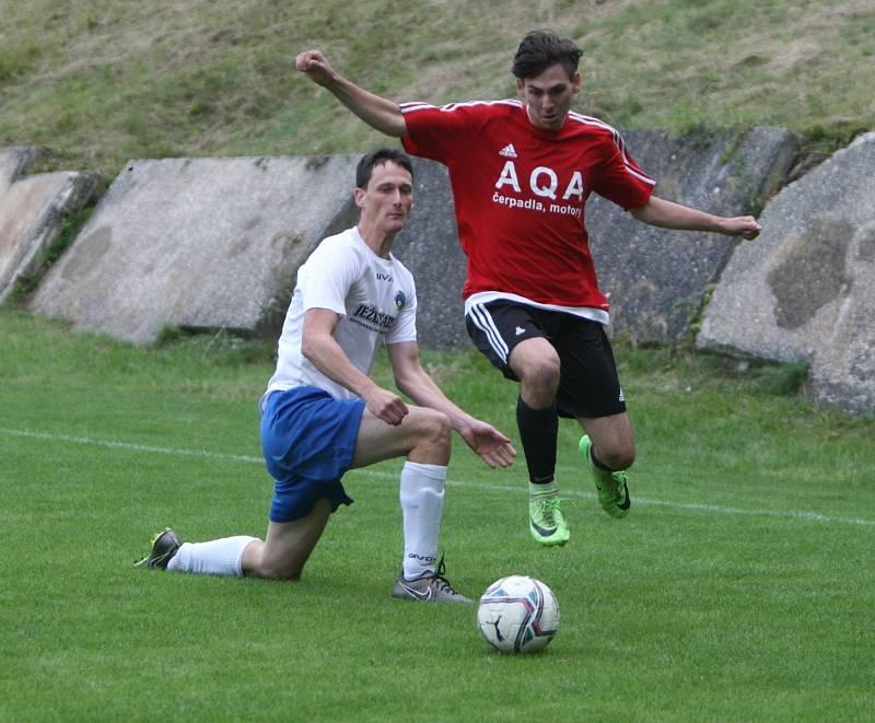 Mimoň (červená) vs. Bělá 0:2.