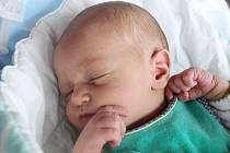 Rodičům Pavle a Martinovi Deákovým ze Cvikova se v pátek 24. listopadu ve 13:06 hodin narodil syn Petr Deák. Měřil 52 cm a vážil 3,49 kg.