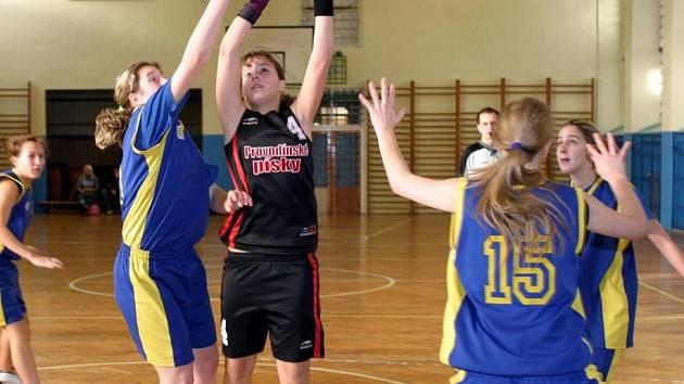 Basketbalové dorostenky DDM Česká Lípa.