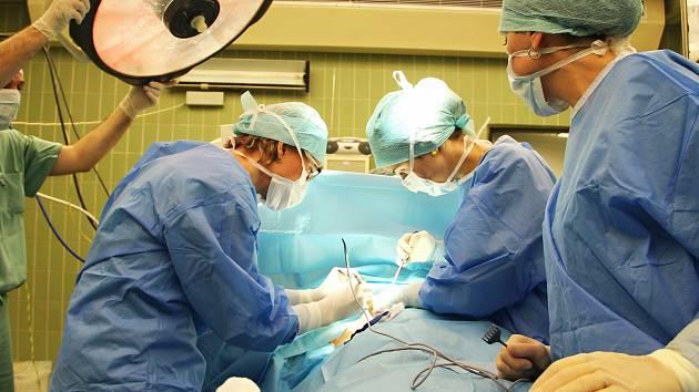 Operační sál českolipské nemocnice.
