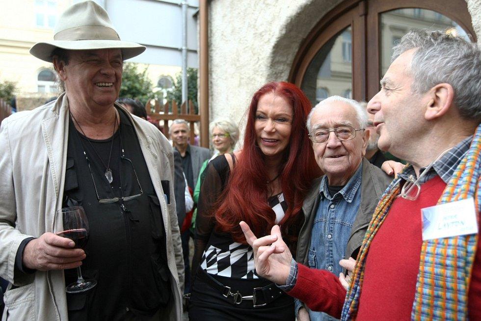 Hvězdy zatím posledního sympozia v roce 2012: zleva Šuhájek, Matragi, Roubíček a Layton.