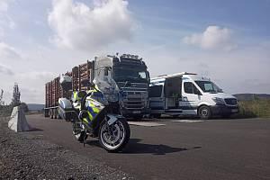 Řidič kamionu falšoval údaje na tachografu, postih nemine ani jeho zaměstnavatele.