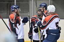 Vsobotu 25. září se domácí áčko postavilo vkrajské lize mužů na domácím ledě proti vítězi loňské sezony HC Jičín.
