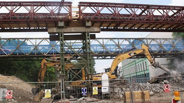 Opravy mostu na silnici I/9 odstartovaly začátkem května.
