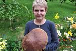 S opravdu velkým houbařským úlovkem se nám pochlubili Grossmannovi z České Lípě.