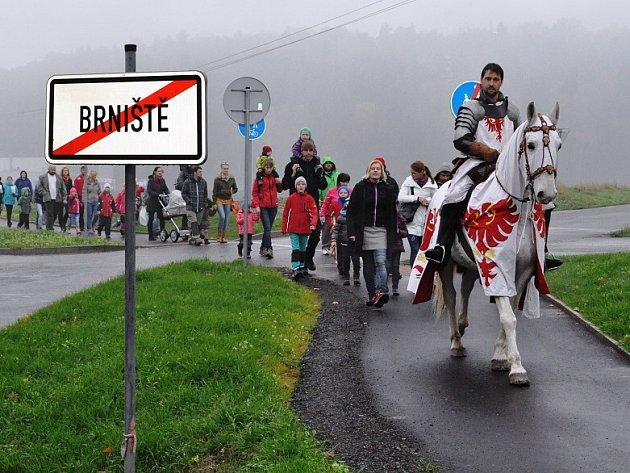 I letos do Brniště zavítá sv. Martin na svém bílém koni a povede průvod obcí.