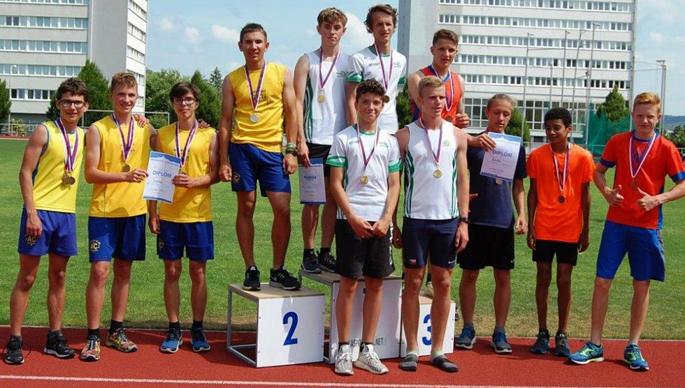 Dohromady 13 cenných kovů, z toho 5 zlatých, 2 stříbrné a 6 bronzových vybojovalo jedenáct mladých atletů z AC Česká Lípa na krajských přeborech v Mladé Boleslavi.