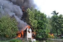 Požár zemědělské usedlosti ve Vrchovanech.