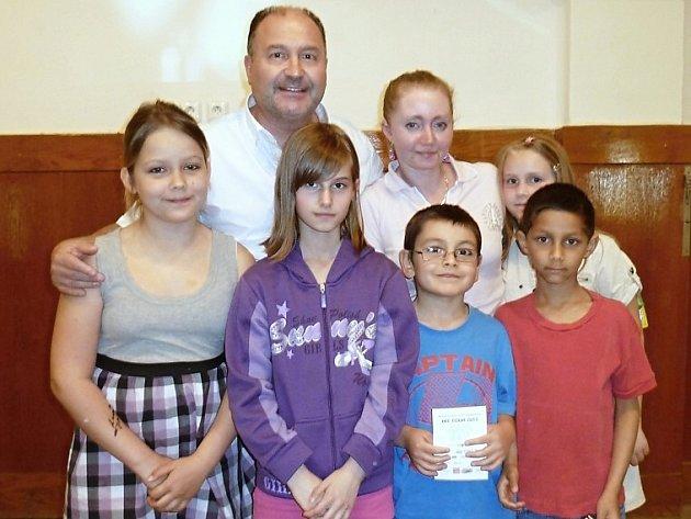 Michal David přijal pozvání na návštěvu Dětské léčebny ve Cvikově.
