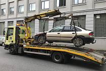 Věčný problém s odstavenými vraky aut v ulicích a na pozemcích města hodlá razantněji řešit Městský úřad v České Lípě.