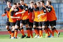 Sousedské derby mezi Českou Lípou a Skalicí lépe vyznělo pro hosty v oranžovo-černých dresech. Nad domácím Arsenalem zvítězili 3:1.