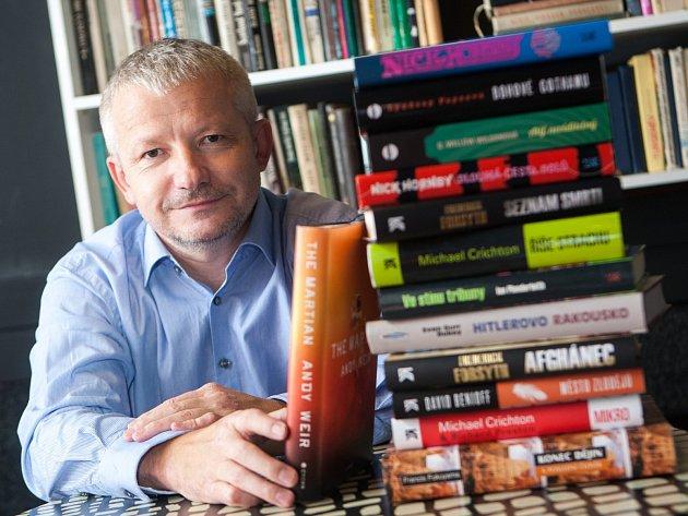 Lepší je jít nejdřív na film a až pak si přečíst knížku, doporučuje českolipský překladatel Michal Prokop.