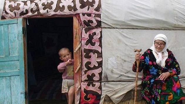 Úžasný a cenamí ověnčený film Mongolsko - Ve stínu Čingischána.