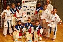 Šestnáct medailí vybojovali mladí karatisté českolipského klubu na Vánoční ceně v Mladé Boleslavi.