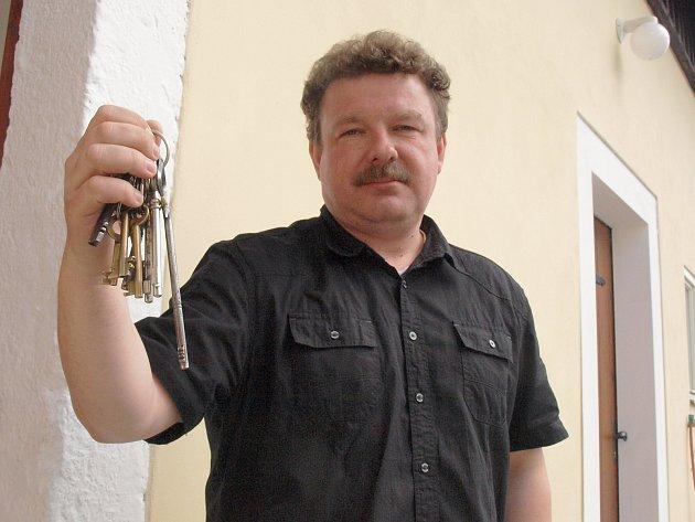 Kamil Seidl, jednačtyřicetiletý rodák z Bělé pod Bezdězem, je novým kastelánem hradu Bezděz. Někdejší sídlo Přemyslovců má podle něj potenciál stát se centrem Máchova kraje.