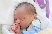 Rodičům Růženě Hučkové a Antonínu Pecharovi z České Lípy se v úterý 21. května v 10:36 hodin narodil syn Karel Pechar. Měřil 49 cm a vážil 2,64 kg.